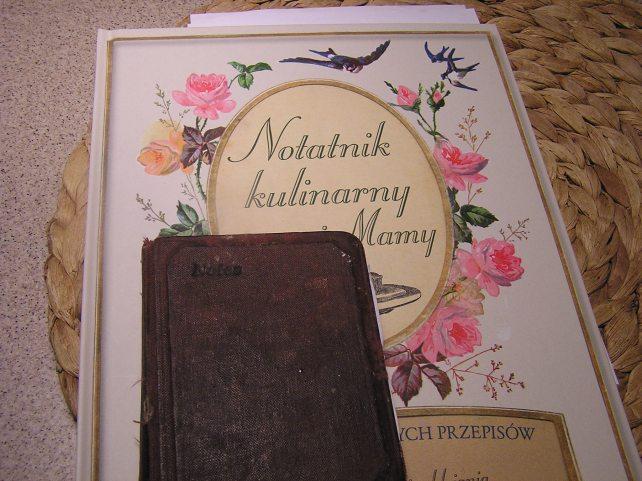 przepiśnik i stary notes z przepisami mojej babci