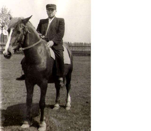 pradziadek na koniu zakupionym za 5 litrów bimbru. 1946 rok
