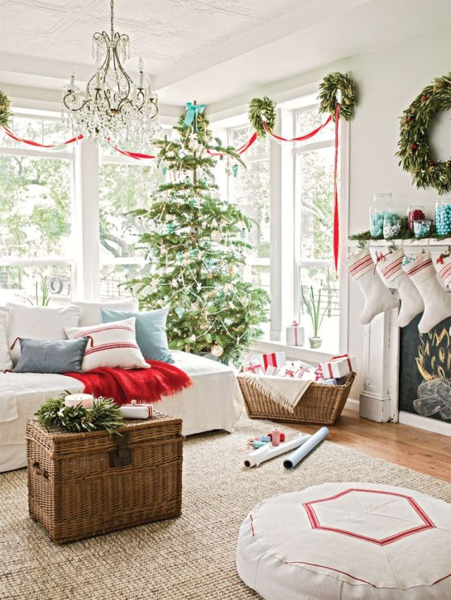 85054337c88a4c3c42b894ad4dbce8e2--christmas-room-christmas-living-rooms
